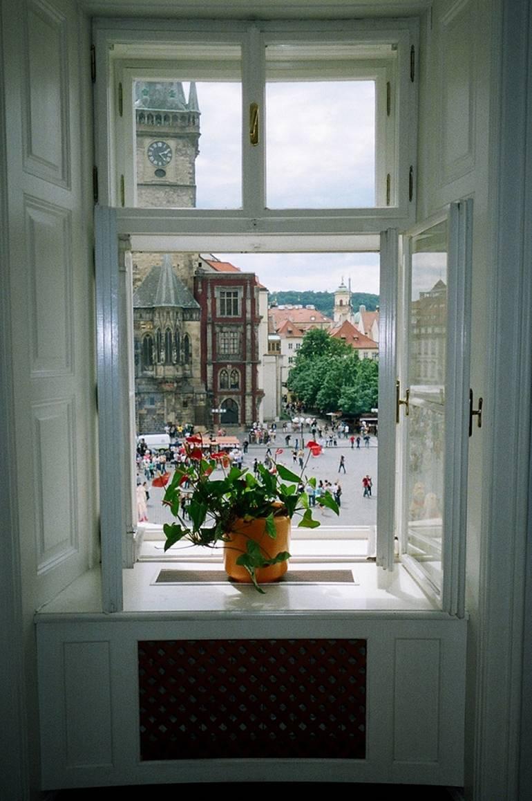 Типичный вид из окна в Праге
