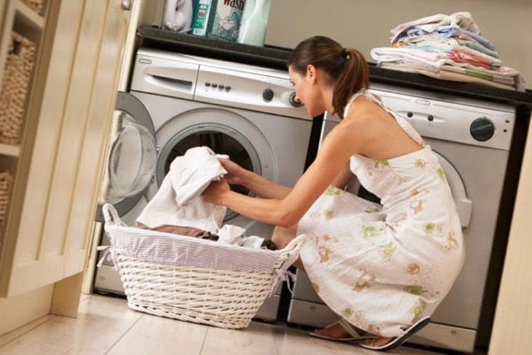 Вывести пятна с одежды поможет природа