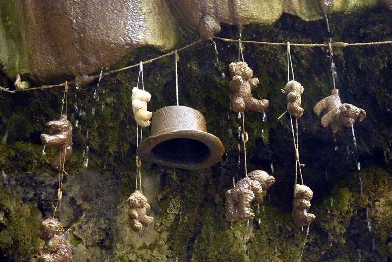Источник Petrifying Well, превращающий любые предметы в камень